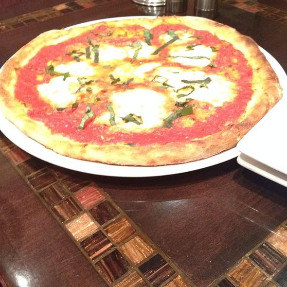 Margarita Pizz @ Labriola Bakery Cafe