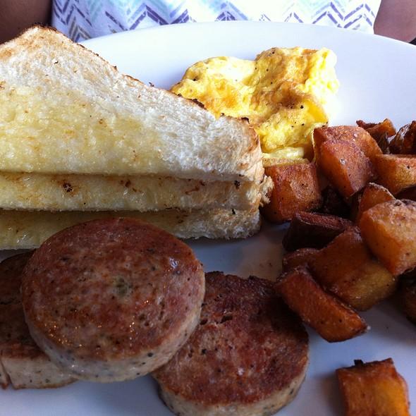 Classic Breakfast @ The White Brick Kitchen