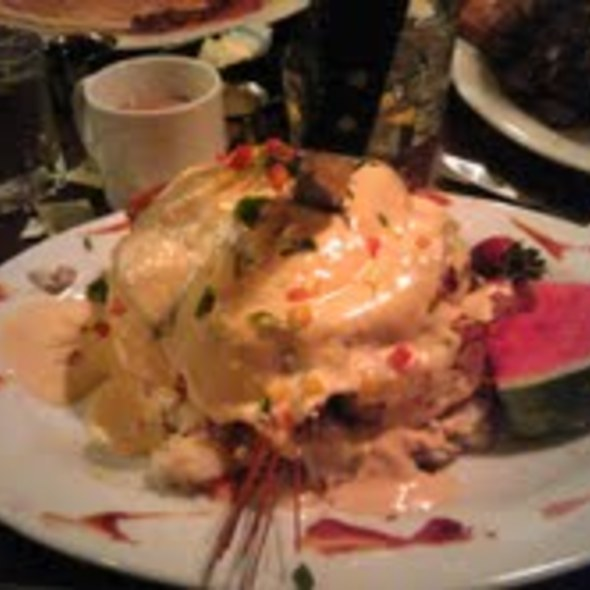Andy's Sage Fried Chicken Benedict @ Hash House A-Gogo