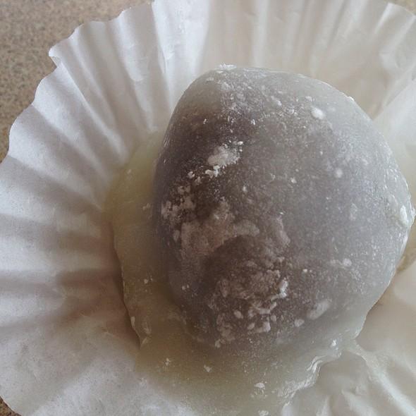 Habutai White Mochi With Red Bean Paste