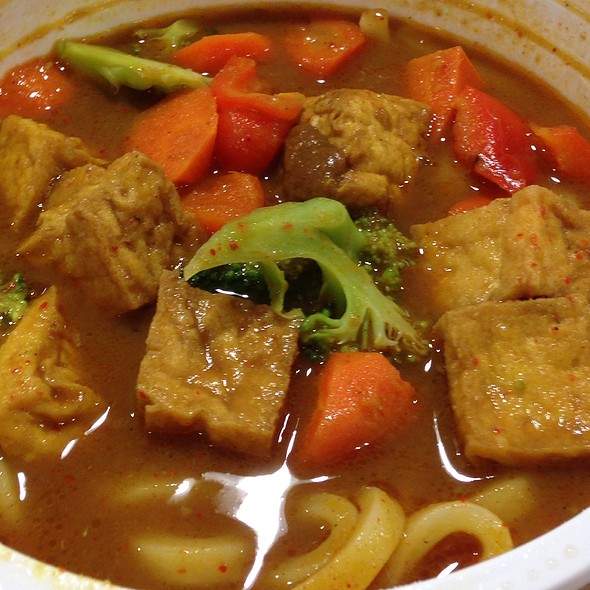 Tofu And Vegetable Curry Udon