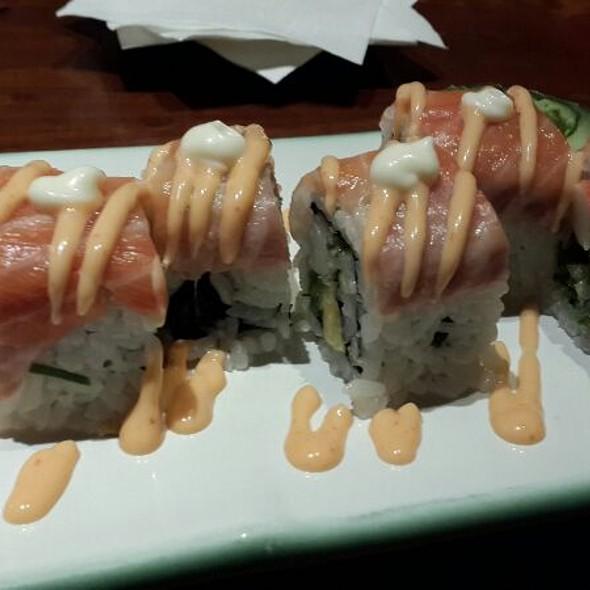 Salmon Crispy Roll