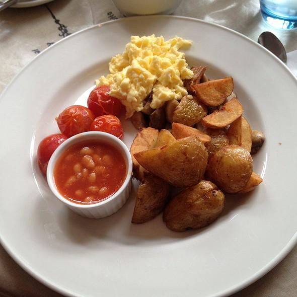 Vegetarian Breakfast @ Maxwell