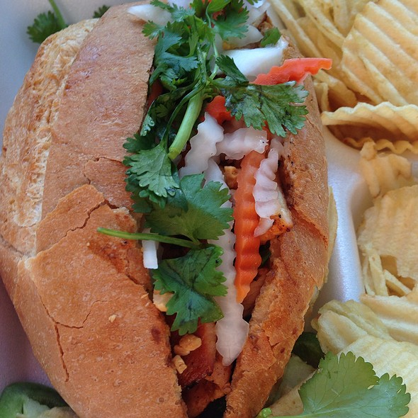 Grilled Chicken Banh Mi With Chips
