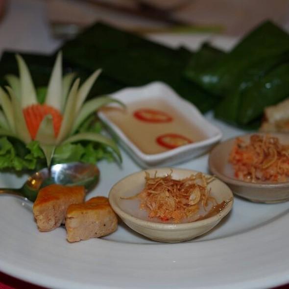 Le jardin de la carambole menu hue foodspotting - Les jardins de la carambole ...