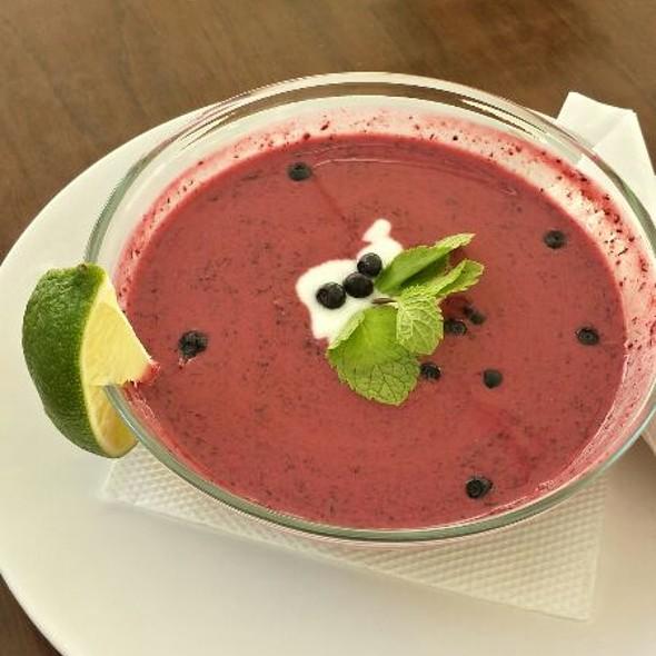 Supă rece de afine