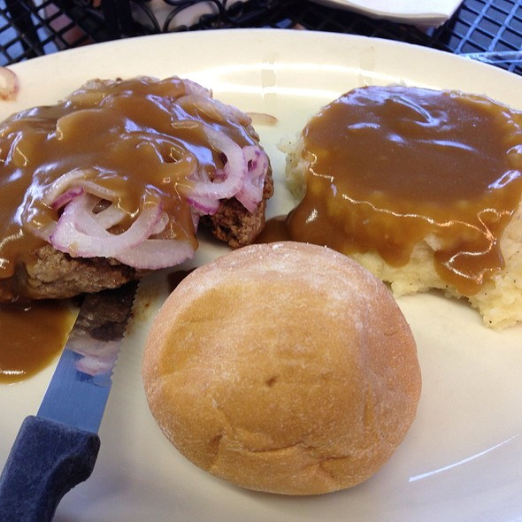 Chopped Steak W/Grilled Onions And Gravy