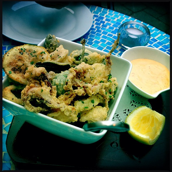 Fried Calamari - Due Lire, Chicago, IL