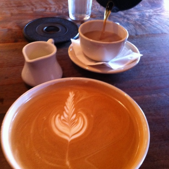 caramel latte @ Della Fattoria