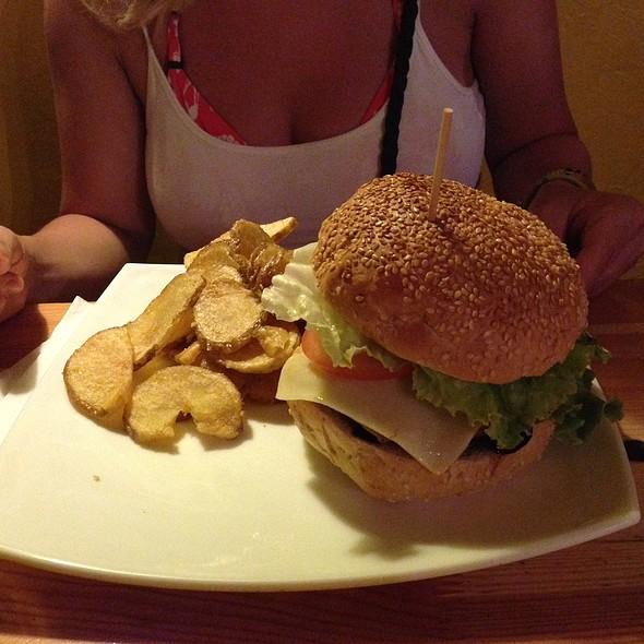 Toucan Burger @ Nah Nah Bah