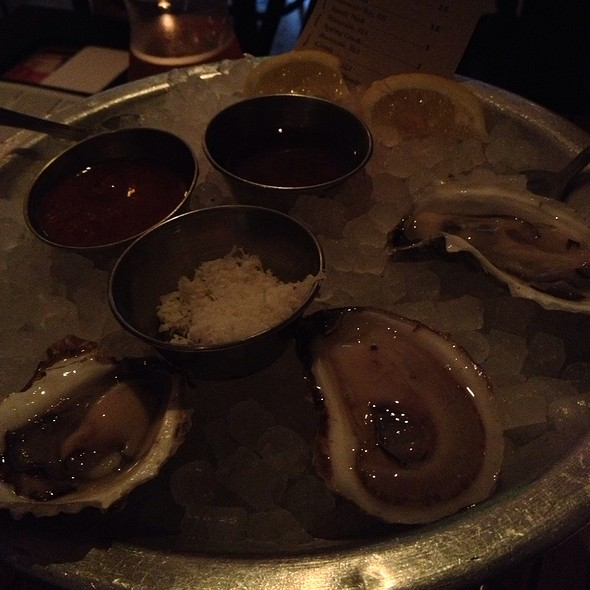 Oysters @ L & E Oyster Bar