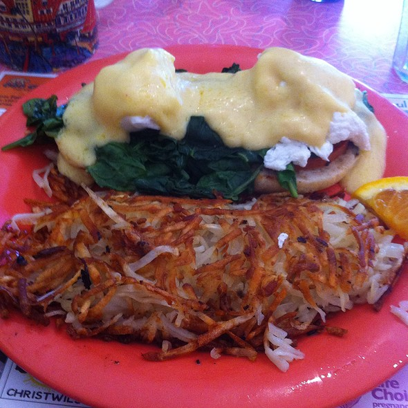 Veggie Eggs Bene @ Bonnie Lu's Country Cafe