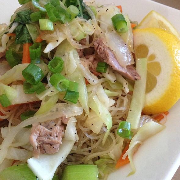 Pancit Bihon @ Isla Pilipina Restaurant