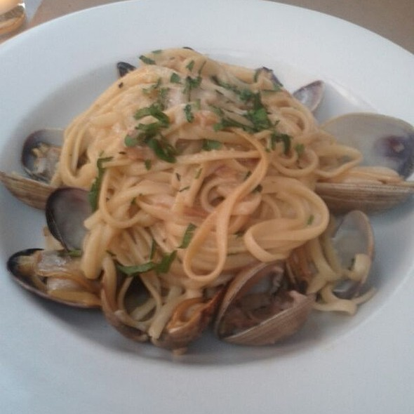 Pasta & Clams