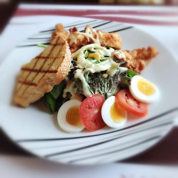 Fried Chicken Salad @ Nannini Grill