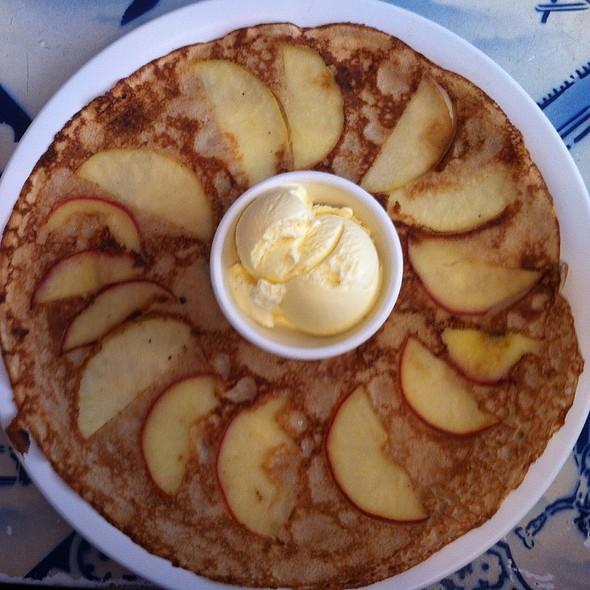 Apple Pancake With Ice Cream @ Pancakes! Amsterdam
