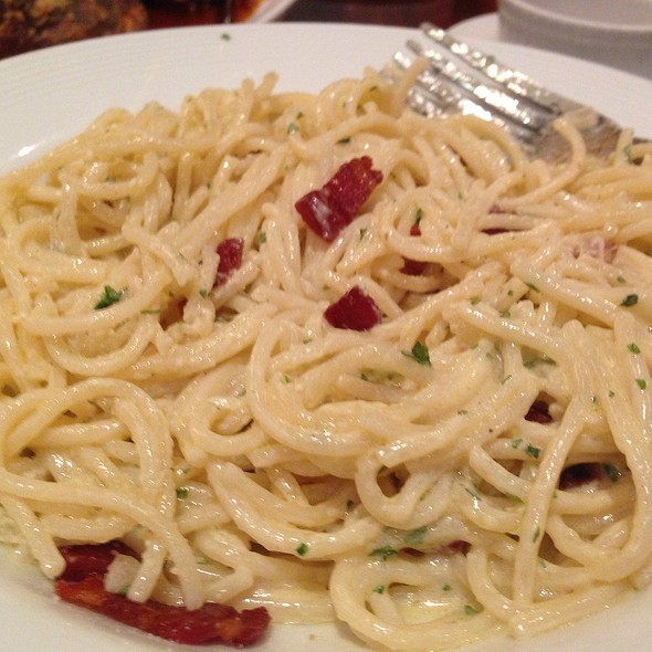 Spaghetti With Pancetta, Egg, And Cream