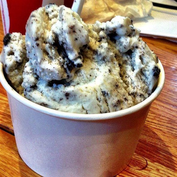 Oreo Frozen Yogurt