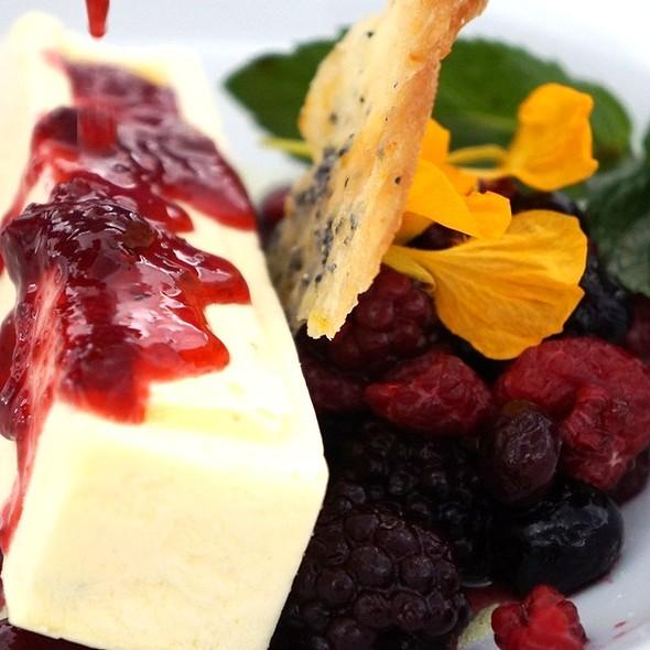 Mascarpone Dessert @ El Muelle