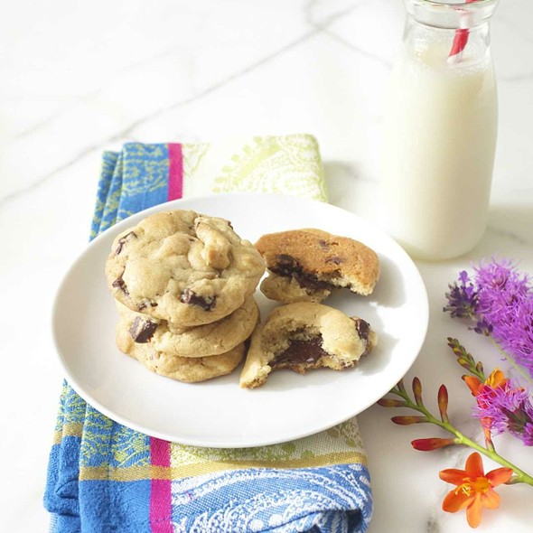 White And Dark Chocolate Chunk Cookies @ Cake On The Brain's Patisserie