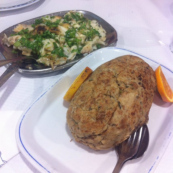 Bacalhau Na Brasa Com Migas  @ Restaurante O Cruzamento