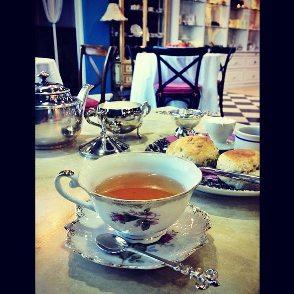 Rose Tea @ The Tea Room @ Trosseau Al Aali Mall