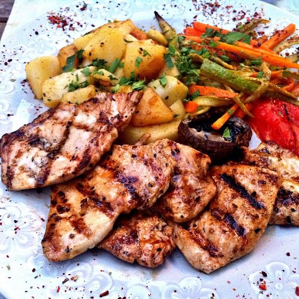 Tavuk Külbastı @ Cafe Lins