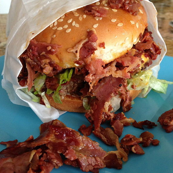Colossal Burger @ Volcano Burger