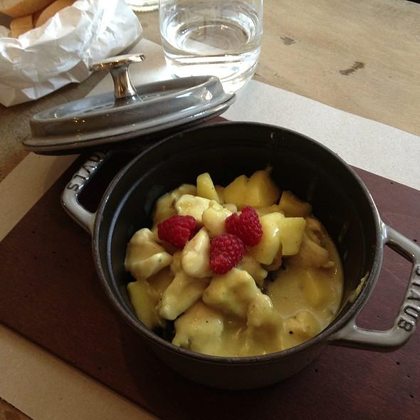 Pollo Speziato Con Mele, Patate E Lamponi @ Cocotte
