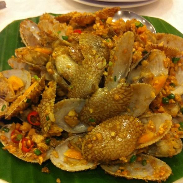 Mussels in garlic @ Layar