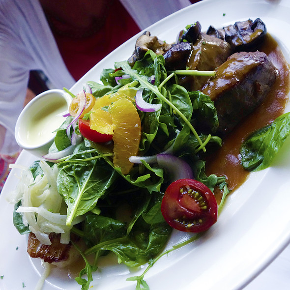 Prime Filet Steak Salad - Chicago Cut Steakhouse, Chicago, IL