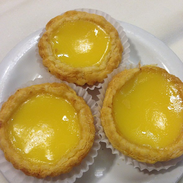 Egg Tarts @ Hong Kong Lounge Restaurant