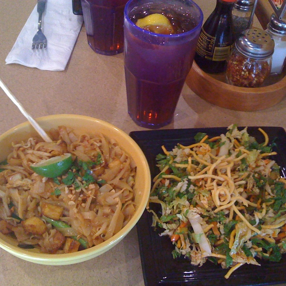 Tofu Pad Thai and Oriental Salad