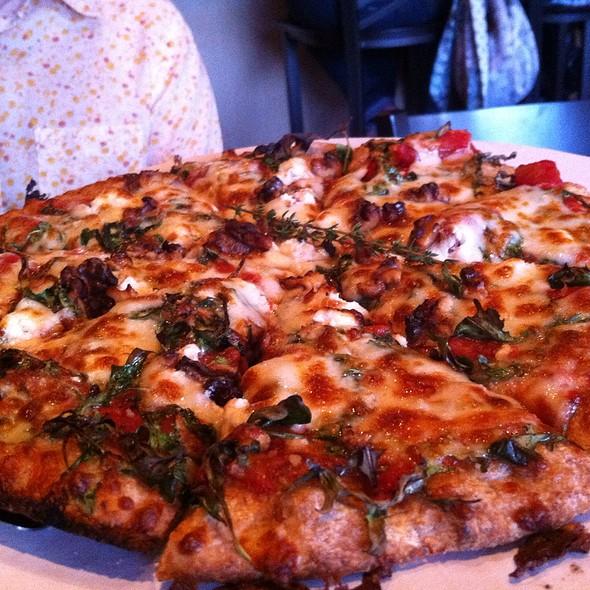 Goat Cheese, Arugula And Walnut Pizza @ Amici's Pizza