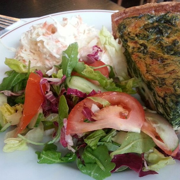 spinach quiche with salad and coleslaw @ Alianti