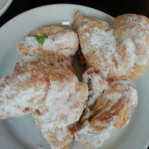 Almond Crunch Wetzel's Bites @ Alianti