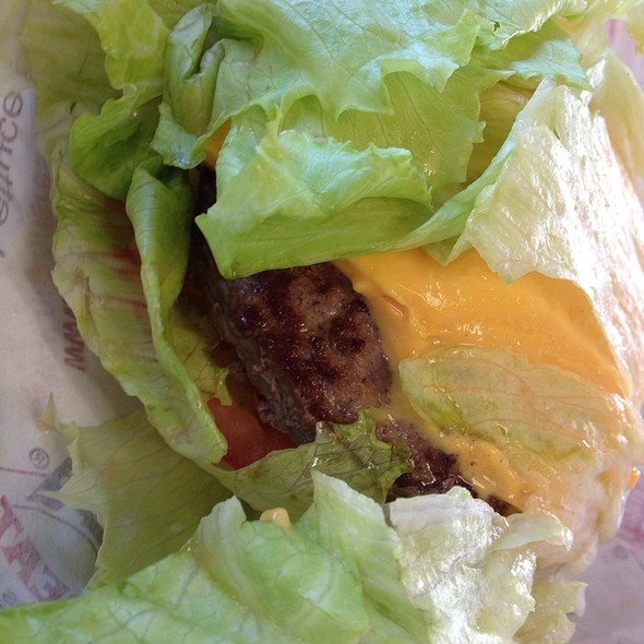 Lettuce Wrapped Cheeseburger @ Nation's Giant Hamburgers