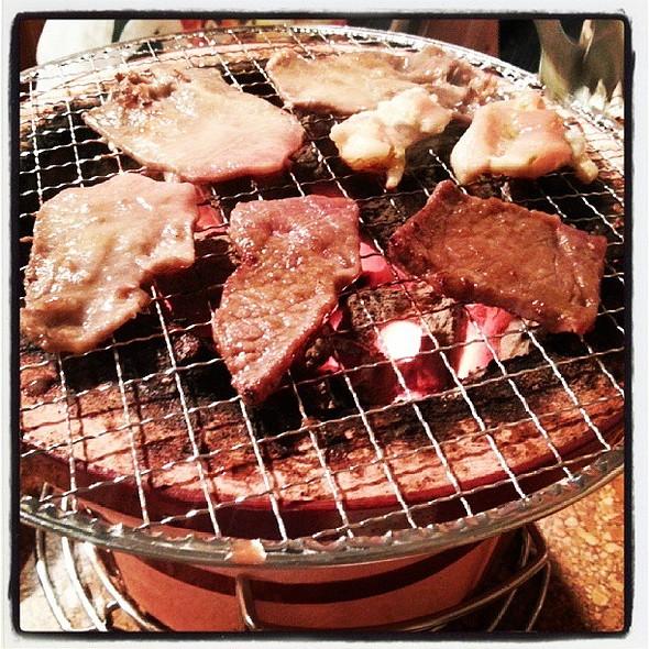 晚上吃燒肉才是正事。
