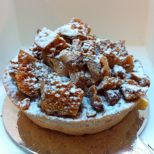 Banana Salted Peanut Brittle Tart