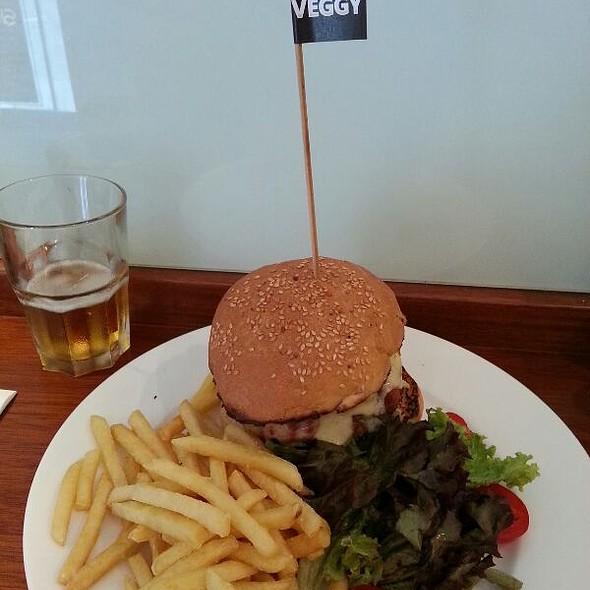 Veggie Burger @ Badass Burger In Valletta