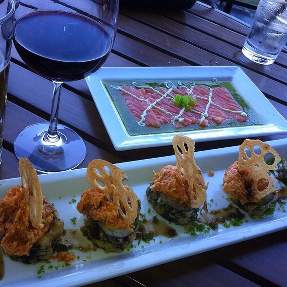 Viva Las Vegas Roll / Salmon Carpaccio @ RA Sushi
