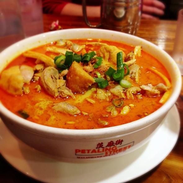 Chicken Curry Laksa