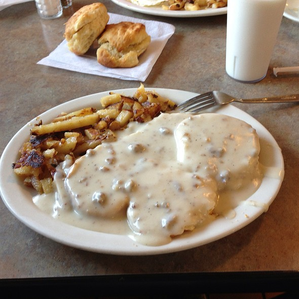 Sausage Gravy And Biscuits With Home Fries