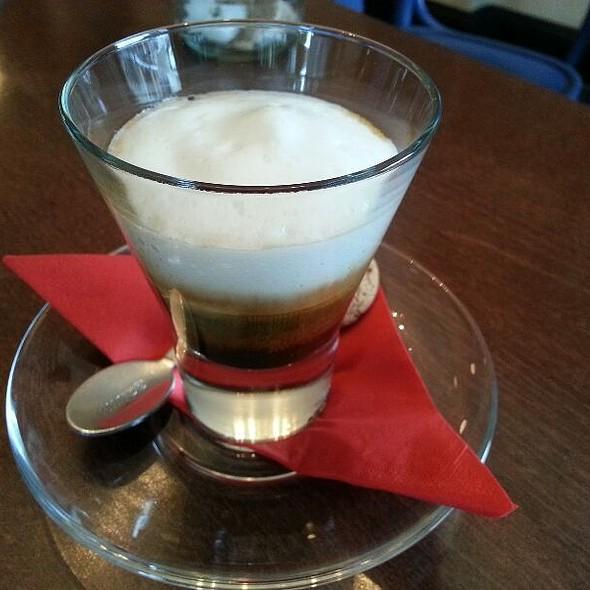 Double Espresso Macchiato @ Syon deli