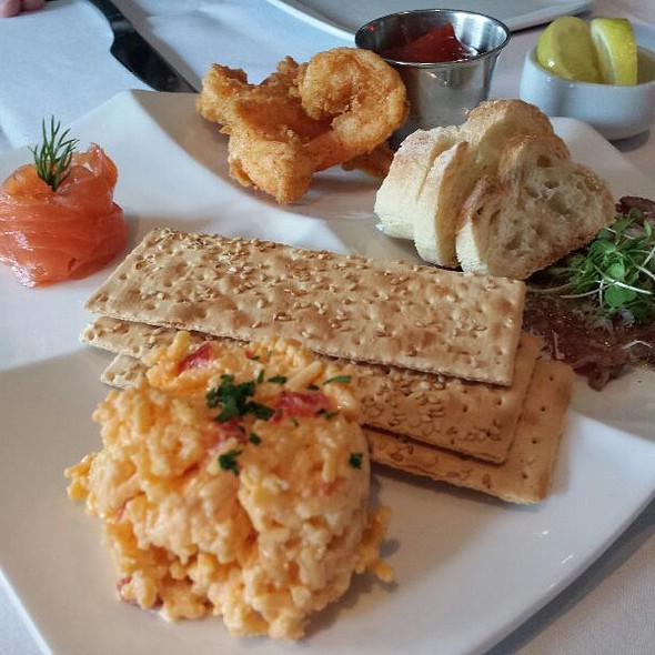 Southern Sampler Platter - Breakwater Restaurant & Bar - Beaufort, Beaufort, SC