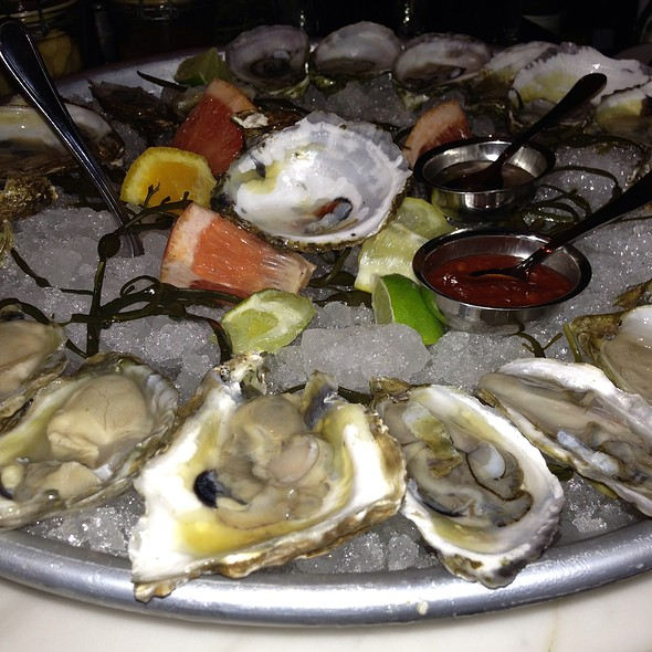 Oysters On The Halfshell East Coast @ Crave Fishbar