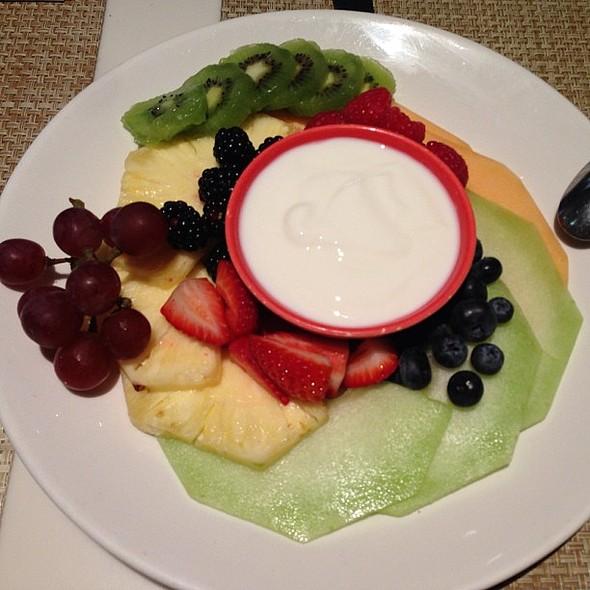 Wow, fabulous surprise to start Sunday : compliments of @chefcharlieayers -- fresh fruit & yogurt plate! @ Calafia Café & Market A-Go-Go