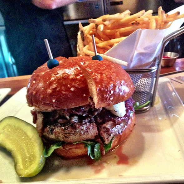 Duck Burger - Watermarc, Laguna Beach, CA