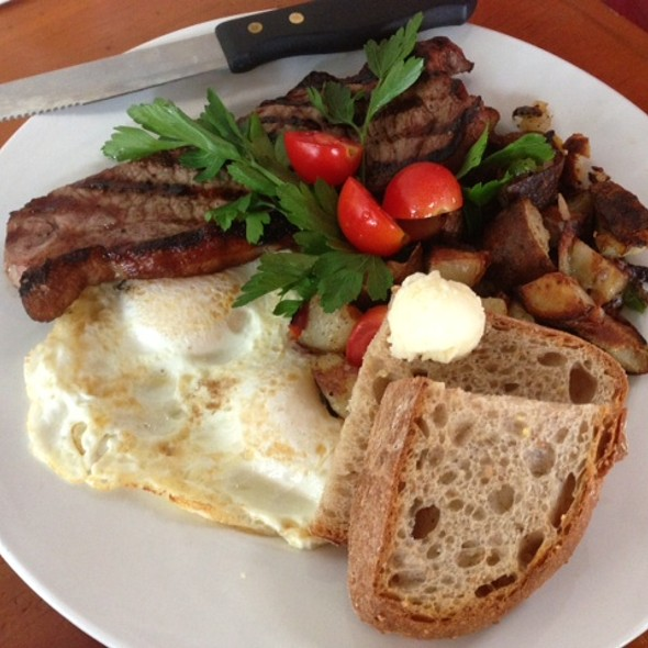 Flat Iron Steak And Eggs @ Kitchen 388