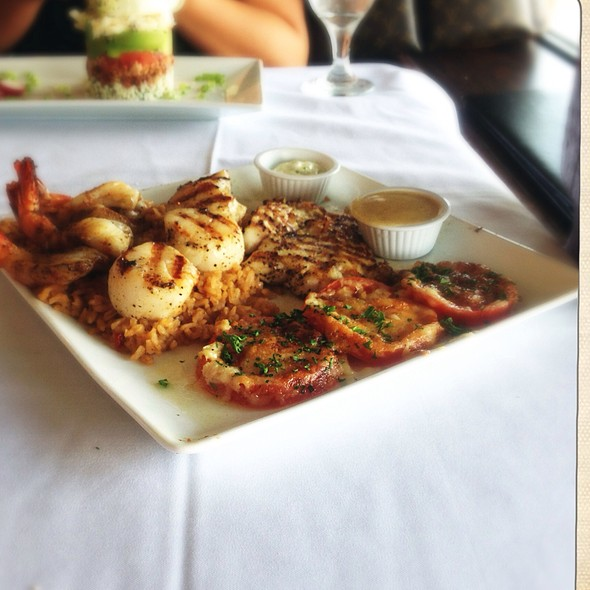 """Seafood Combination With Snapper Cooked """"Michael"""" Style @ Gaido's Seafood Restaurant"""